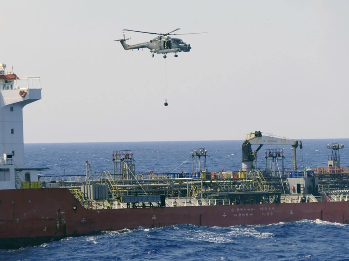 توقیف شناور حامل سوخت هواپیما اماراتی در نزدیکی آبهای دریای لیبی توسط ناوهای اتحادیه اروپا