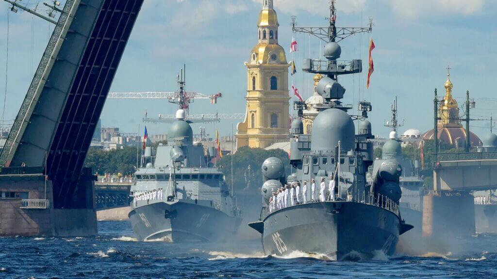جشن ملی روز نیروی دریایی روسیه در بندر سن پترزبورگ