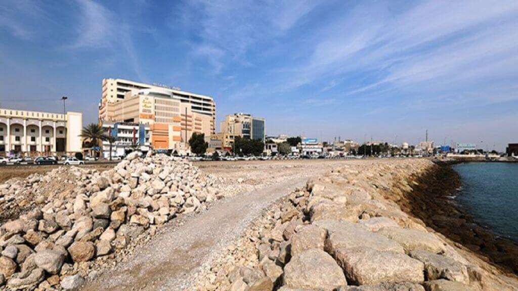 ساحل دریای بندرعباس رو به روی مسجد جامع اهل تسنن و بازار بزرگ هرمزگان