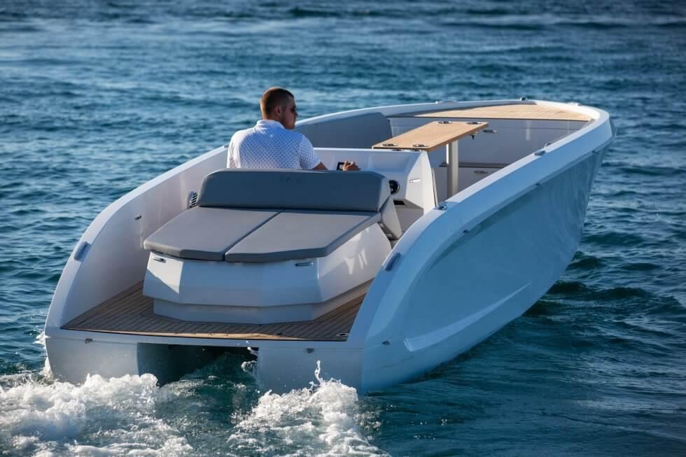 قایق برقی ده نفره مانا 23