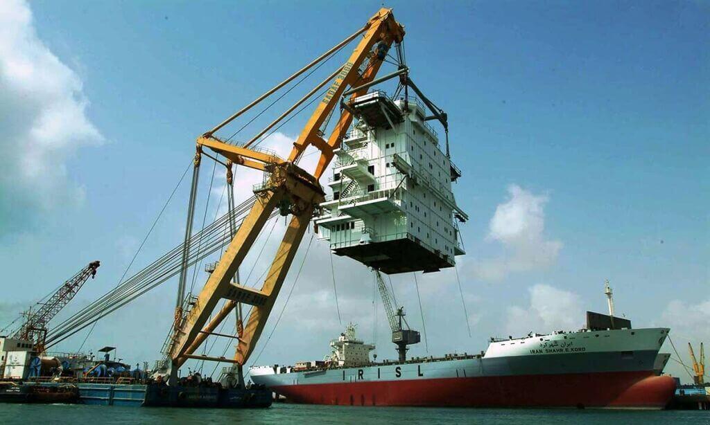 نصب سوپر استراکچر کشتی در حال ساخت ایران شهرکرد در کشتی سازی ایزوایکو