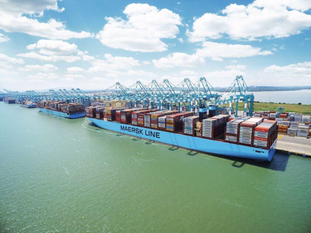 پهلوگیری کشتیهای کانتینربر خط کشتیرانی مرسک دانمارک در بندر