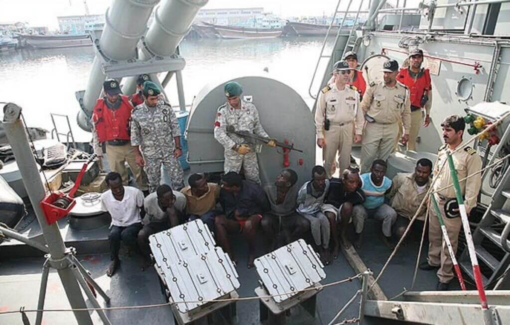 گرفتن دزدادن دریایی سومالی توسط نیروی دریایی ارتش