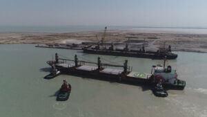 توقیف دو فروند کشتی حامل ۱۰۰ هزارتن سنگ آهن قاچاق در هرمزگان
