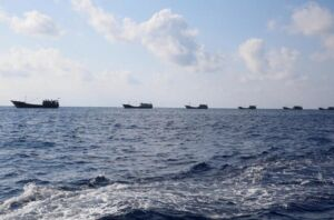 توقیف شش قایق ماهیگیری و ۶۰ تبعه چینی