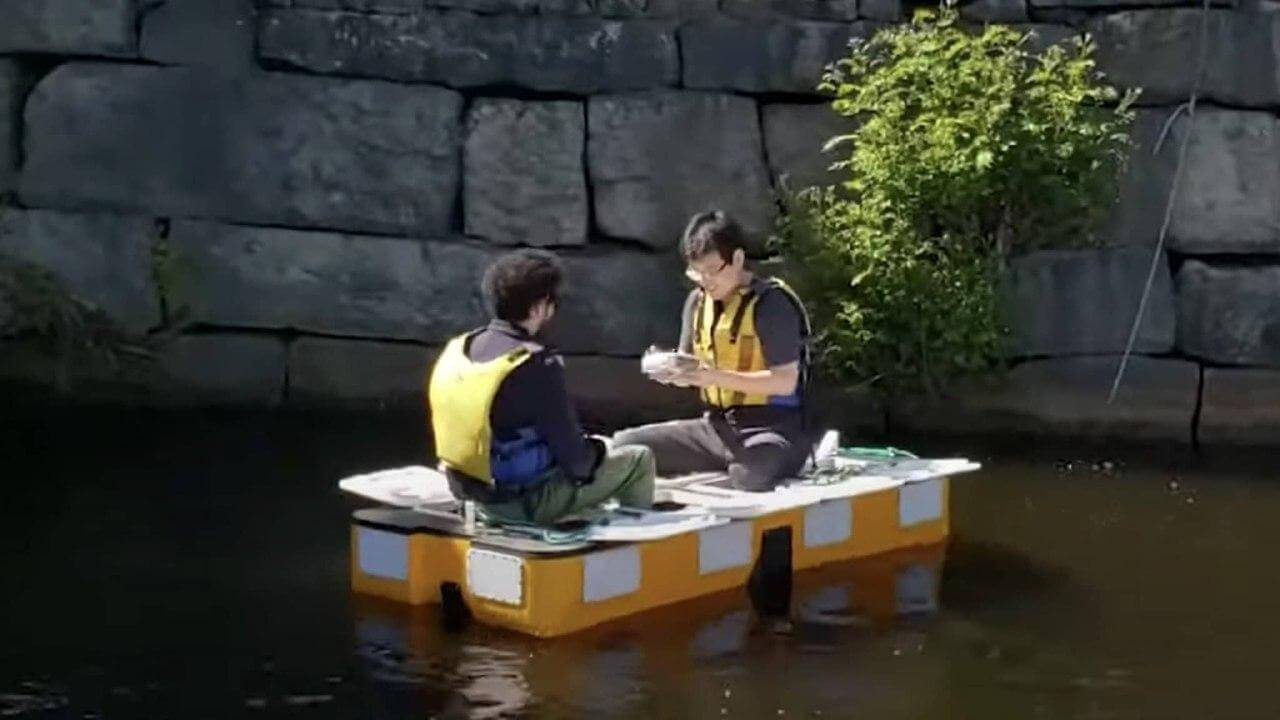 ساخت ربات قایق خودران برای حمل دو مسافر