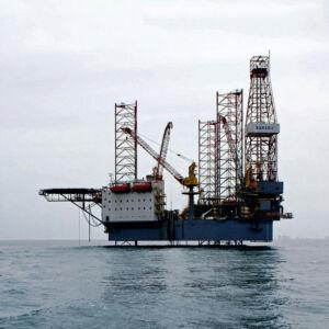 سکوی حفاری دریایی سحر 1 در دریای کاسپین - شرکت حفاری نفت شمال