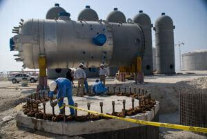 شروع عملیات نصب مخزن 200 تنی بر روی فندانسیون