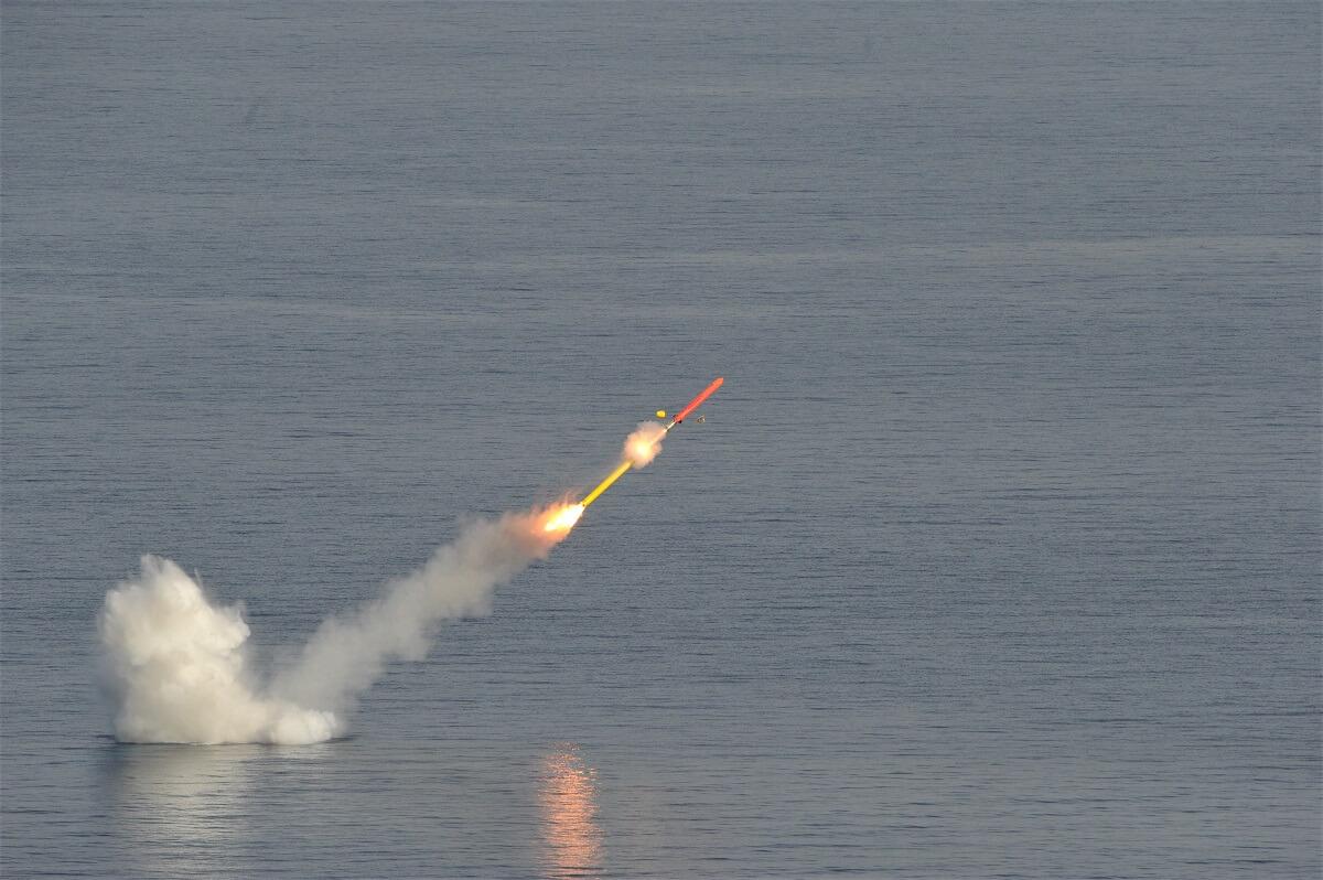 شلیک موشک کروز دوربرد از زیردریایی اتمی نیروی دریایی فرانسه