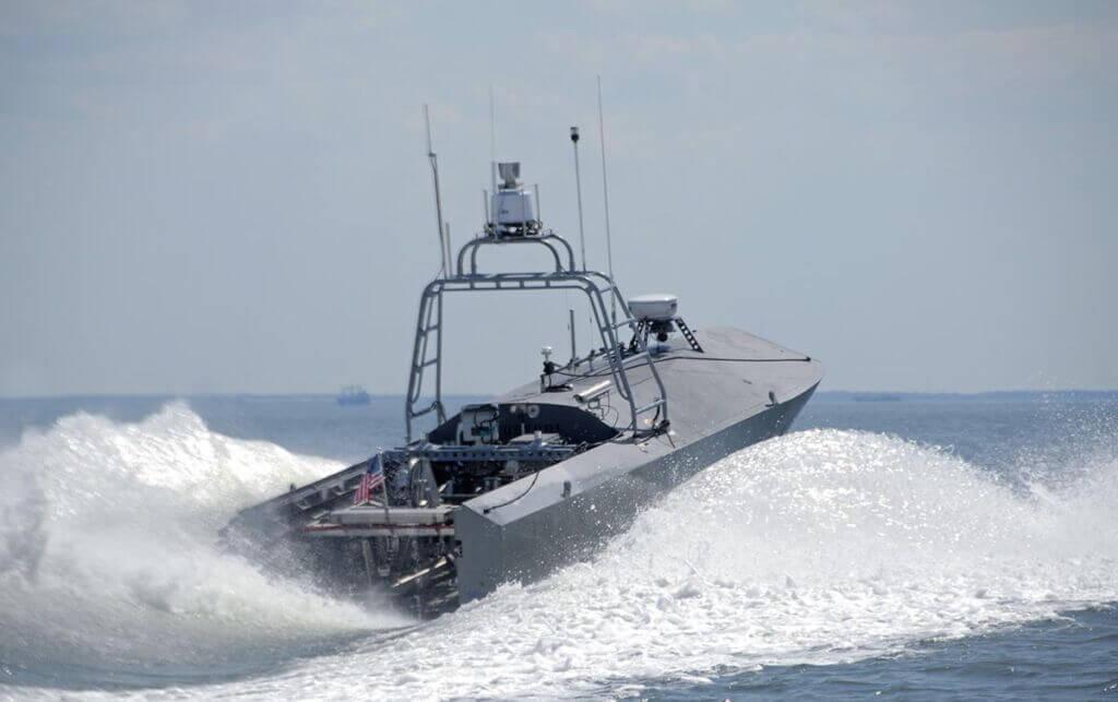 قایق تندرو نظامی هوشمند بدون سرنشین