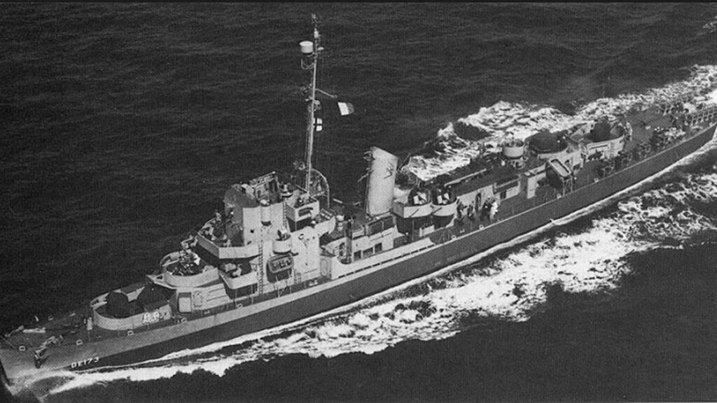 ناوشکن الدریچ نیروی دریایی آمریکا در دههی ۱۹۴۰