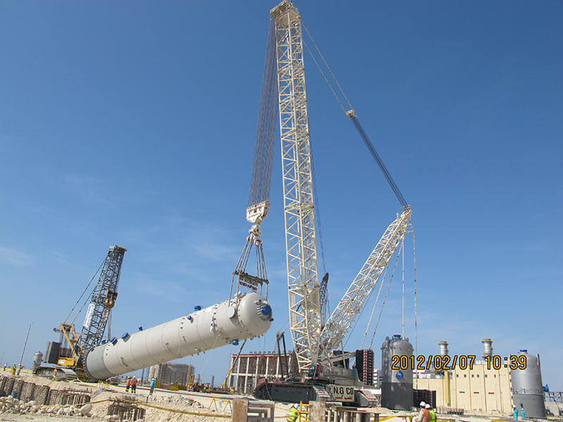 نصب سنگینترین تجهیز کارخانه بر روی فندانسیون توسط جرثقیل 1200 تنی