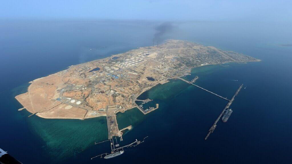 تصویر و عکس هوایی از صنایع نفت دریایی جزیره خارک