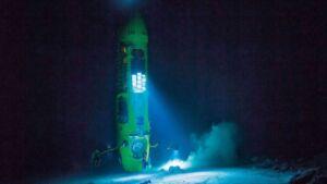 سفر به اعماق دریا جهان با زیردریایی