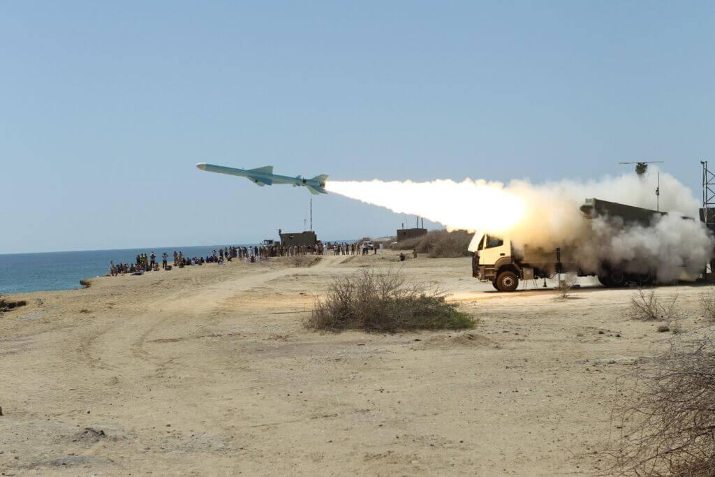 شلیک موشک ساحل به دریا قادر