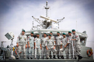 کلاه سبزها و تکاوران نیروی دریایی ارتش بر روی عرشه ناو الوند