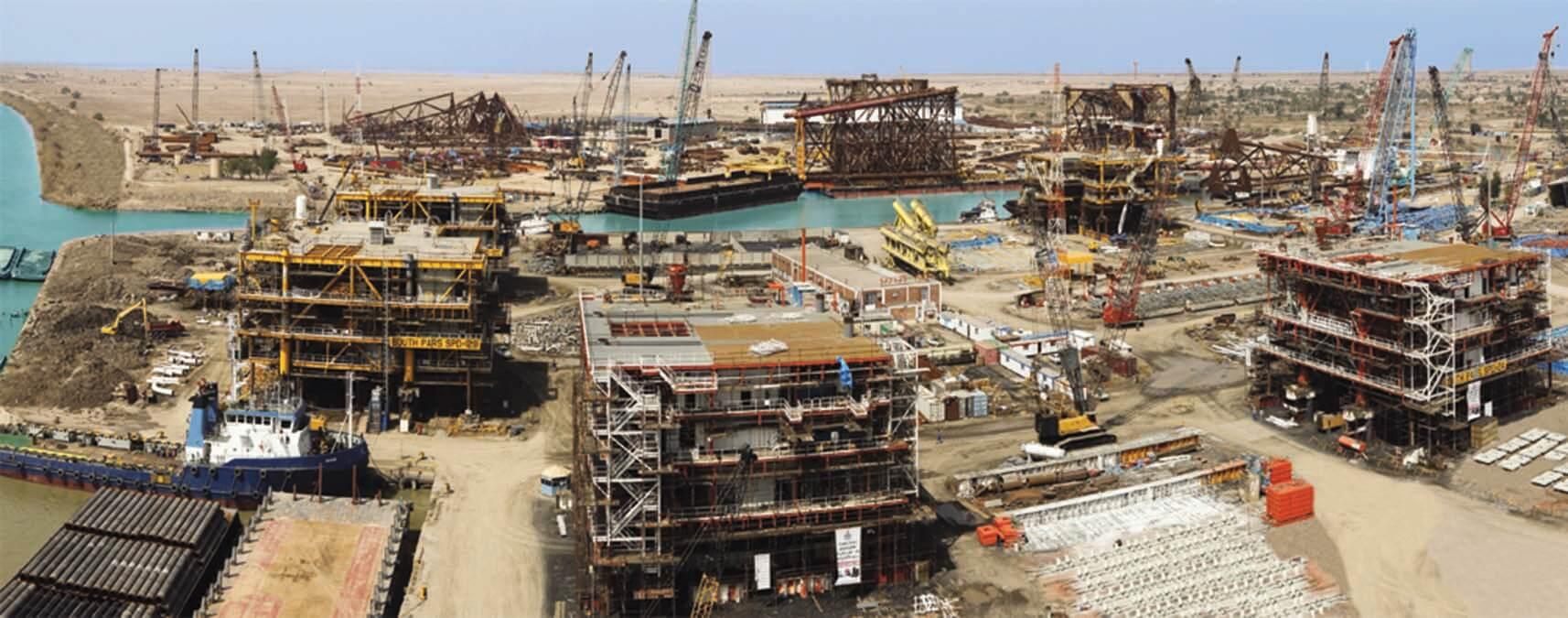 ساخت پنج سکوی دریایی میدانهای نفتی ابوذر، فروزان و رسالت در خرمشهر