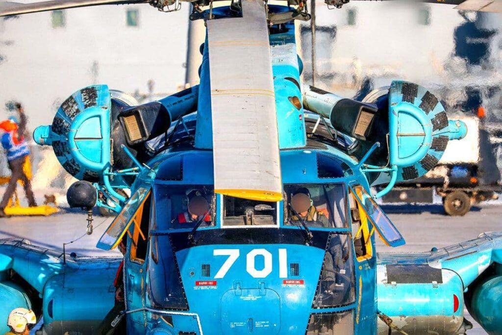 بالگرد سیکورسکی RH-53 نیروی دریایی ارتش بر روی عرشه ناوبندر مکران