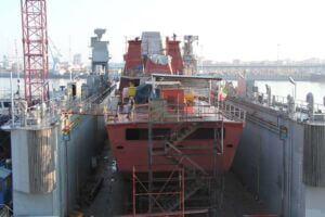 بدنه در حال ساخت ناوشکن دماوند 2 در صنایع شهید تمجیدی