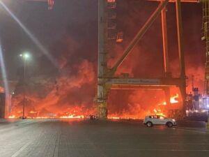 انفجار یک نفتکش در بندر جبل علی امارات